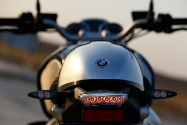 2015-BMW-R-nineT-10