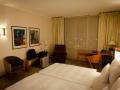2015-Zimmer-3032-Hilton-Airport-Hotel-Muenchen-03.jpg