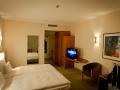 2015-Zimmer-3032-Hilton-Airport-Hotel-Muenchen-05.jpg