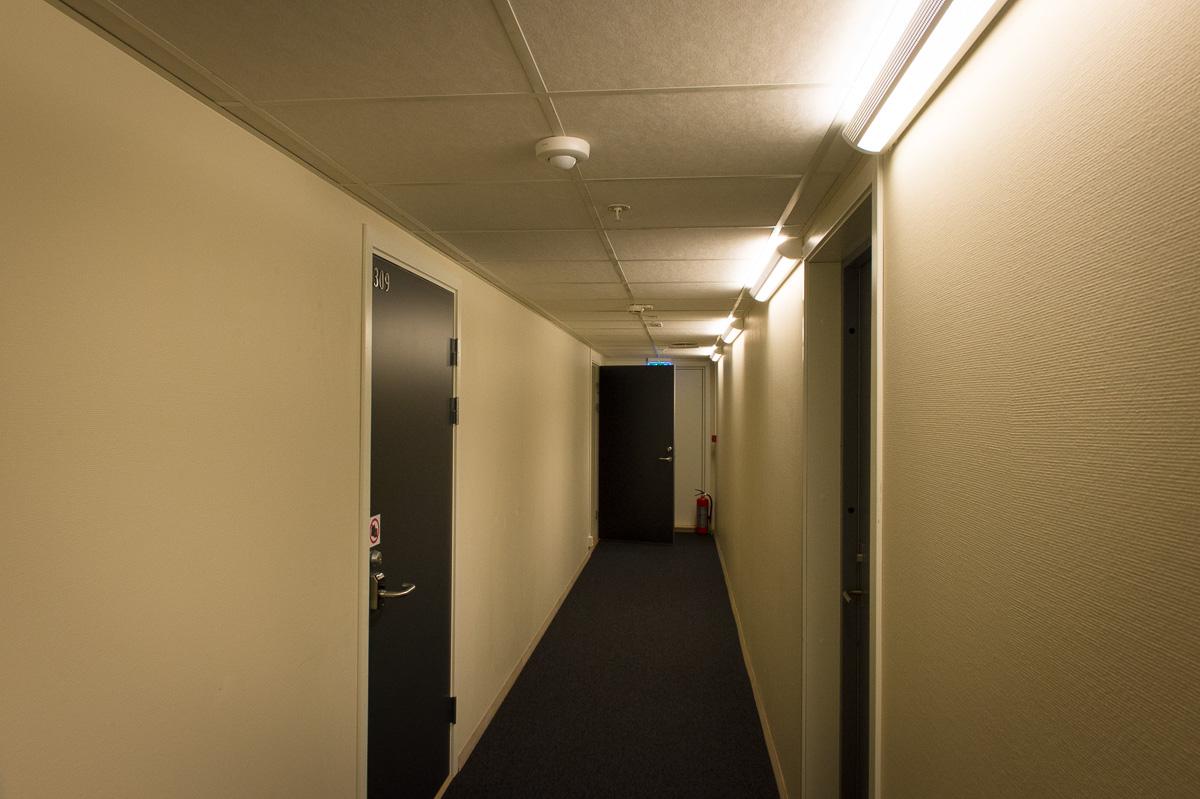 2015-Zimmer-310-Malangen-Brygger-Resort-Mestervik-Norwegen-01.jpg