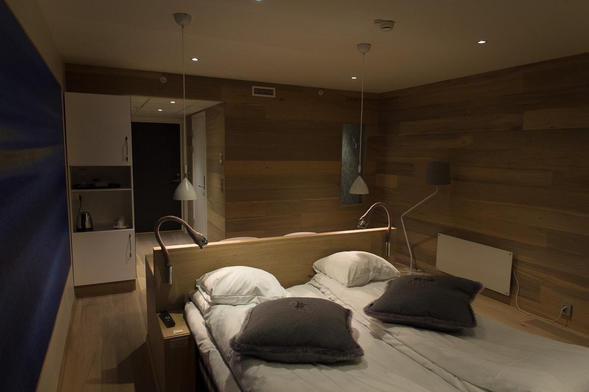2015-Zimmer-310-Malangen-Brygger-Resort-Mestervik-Norwegen-06.jpg