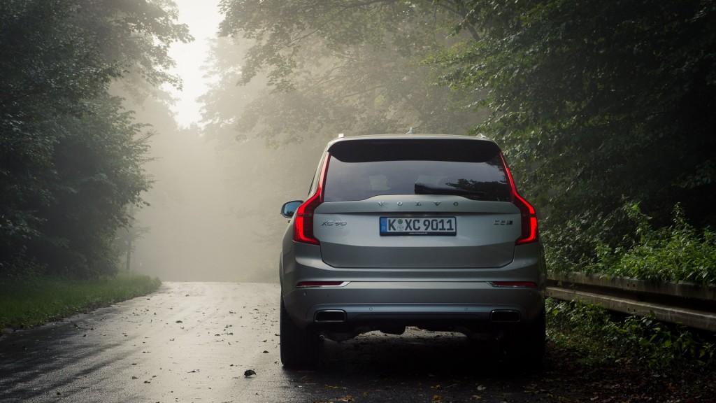 2015-Volvo-XC90-D5-03