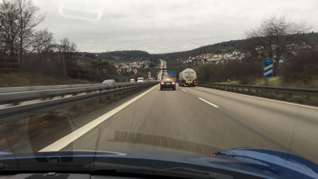 porsche-autobahn-2